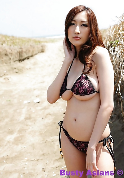 Huge tits japanese model..