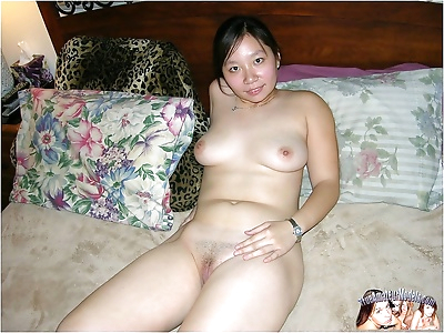 Nude 18 year old amateur..
