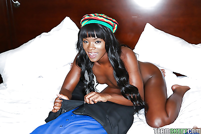 Ebony teen ana foxxx taking..