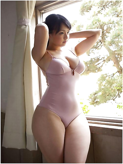 Curvy busty asian gfs posing for the camera - part 2807